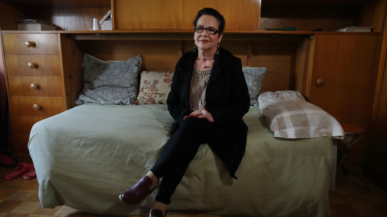 Esther Monroy, en su casa de A Coruña