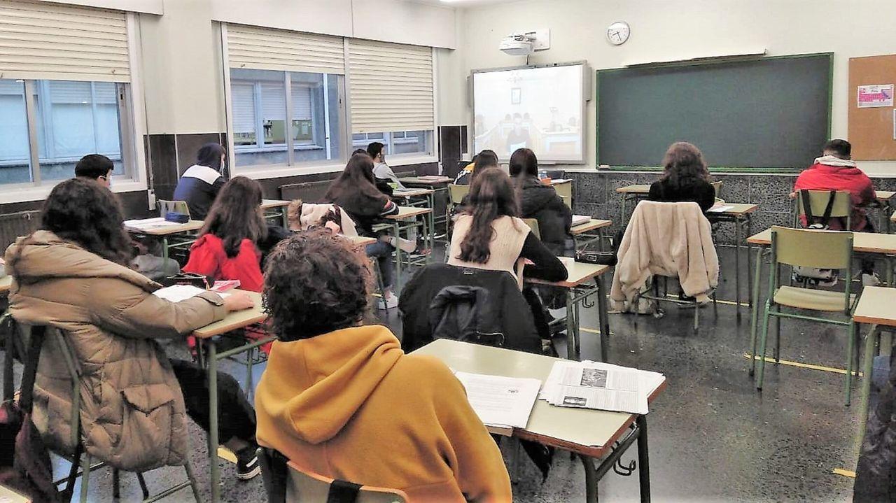 Reunión del alumnado de 4.º de ESO del IES Punta Candieira