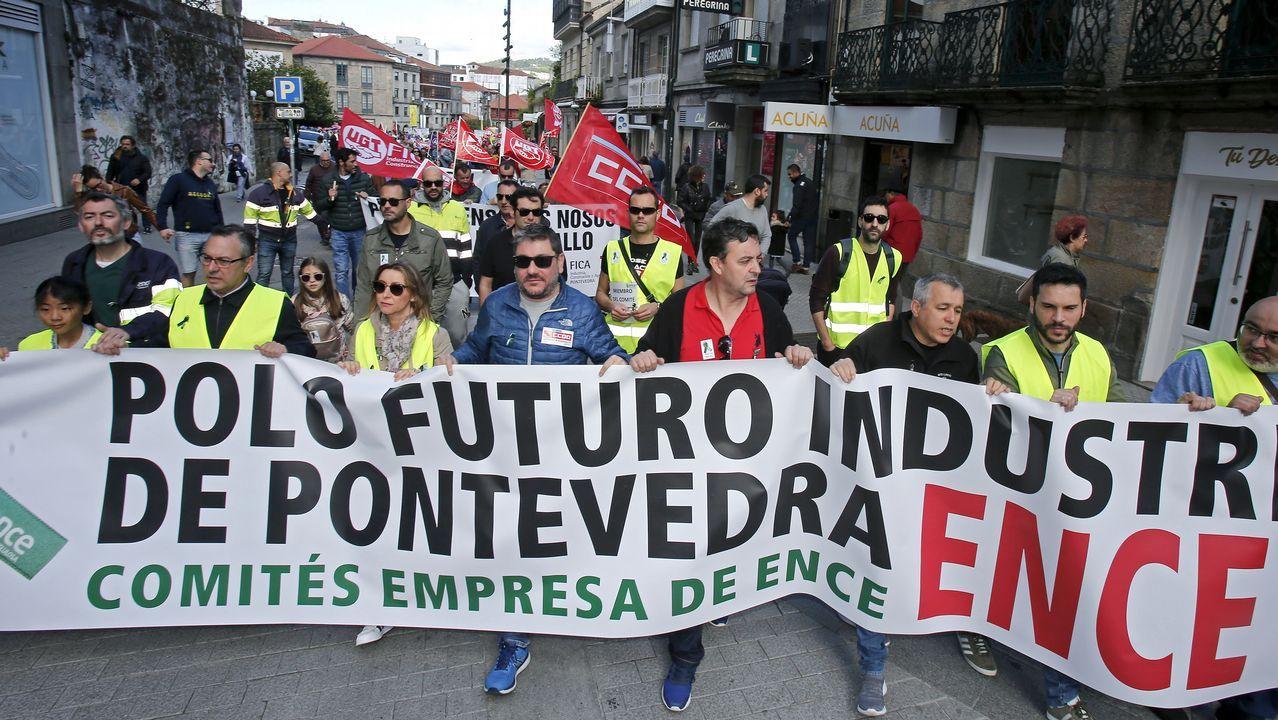 Las imágenes del 1 de mayo en A Coruña.Los trabajadores de Alcoa en la manifestación del 1 de Mayo en Mieres