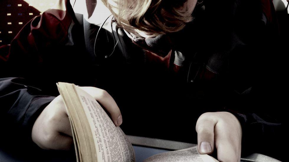Marina Mayoral xunta nunha edición de luxo reflexións sobre o amor, a vida e o alén.Ler a escondidas «é como máis presta» facelo, di Casares
