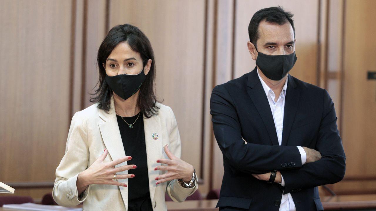 Declaran Aznar y Rajoy como testigos en el caso del presunto pago con la caja B del PP de las obras en Génova.La presidenta de Adif, Isabel Pardo de Vera, y el secretario general de Infraestructuras, Sergio Vázquez Torrón, ayer, en Monforte