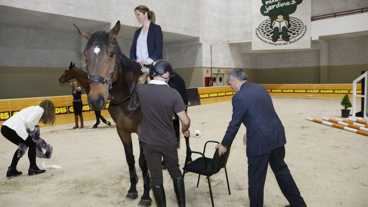 Lara Méndez, Ramon Carballo y Luis Abelleira inauguran el XI salón EQUIGAL montando a caballo