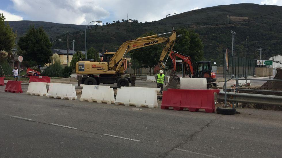 El acceso al campo de fútbol y la zona escolar está cortado al tráfico desde primera hora de la tarde