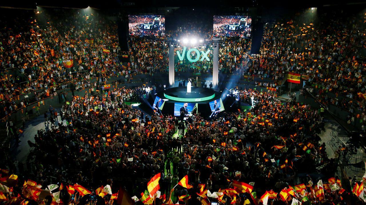 Las mejores imágenes del desfile de la Fiesta Nacional.Abascal reunió a unas 13.000 personas en Vistalegre