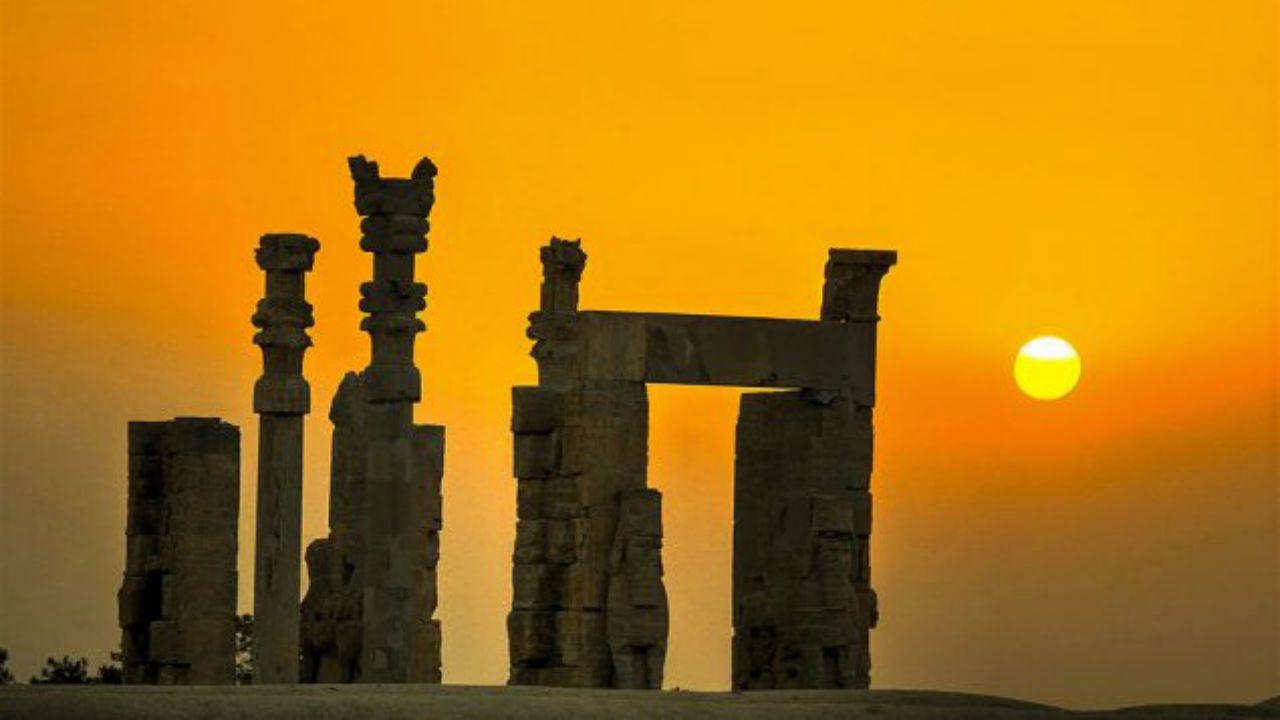 Las otras pintadas del casco histórico.Persépolis