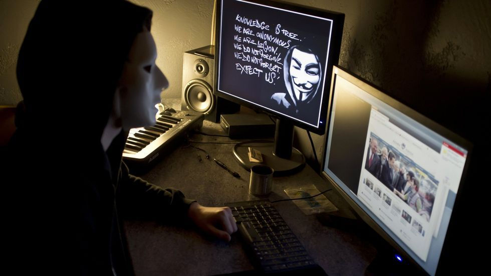 Un hacker miembro de Anonymous, en el 2012