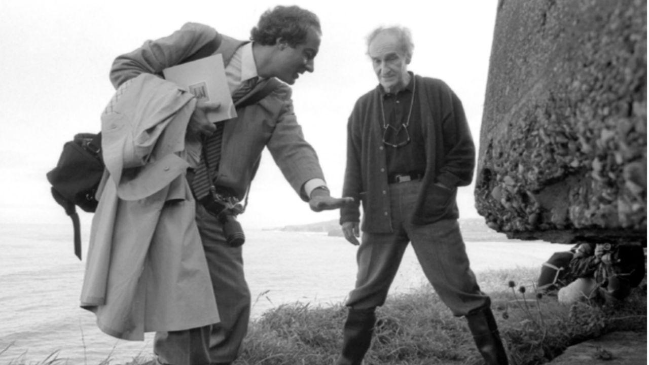 Primera visita de Eduardo Chillida a L'Atalaya, con Francisco Pol, en 1987