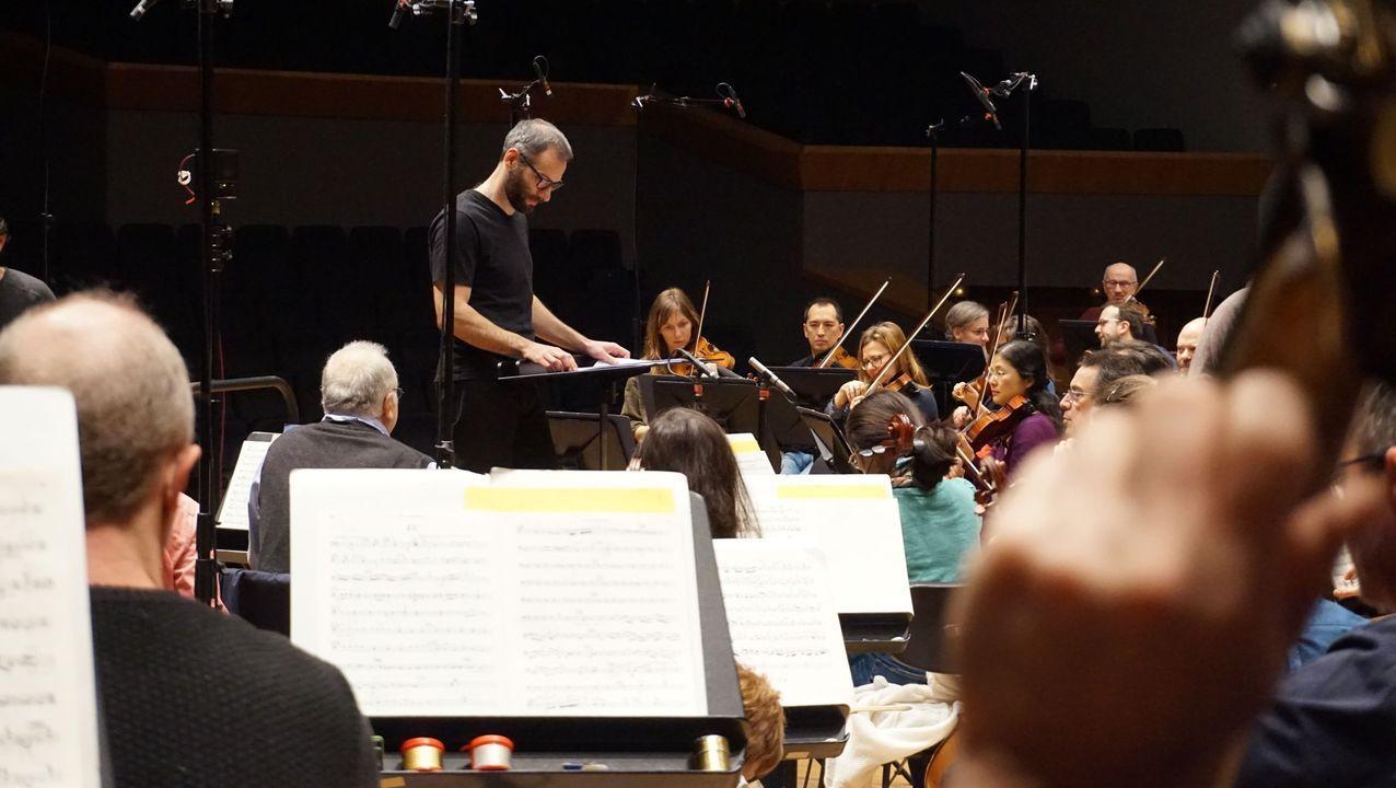 Mirás se formó y trabajó en orquestas de varios países de Europa