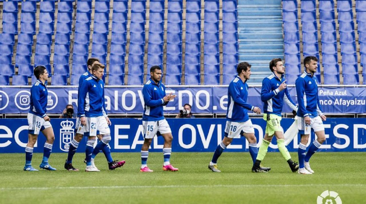 gol Tejera Arnau Real Oviedo Mirandes Carlos Tartiere.Los jugadores del Oviedo saltan al campo antes del partido ante el Mirandés