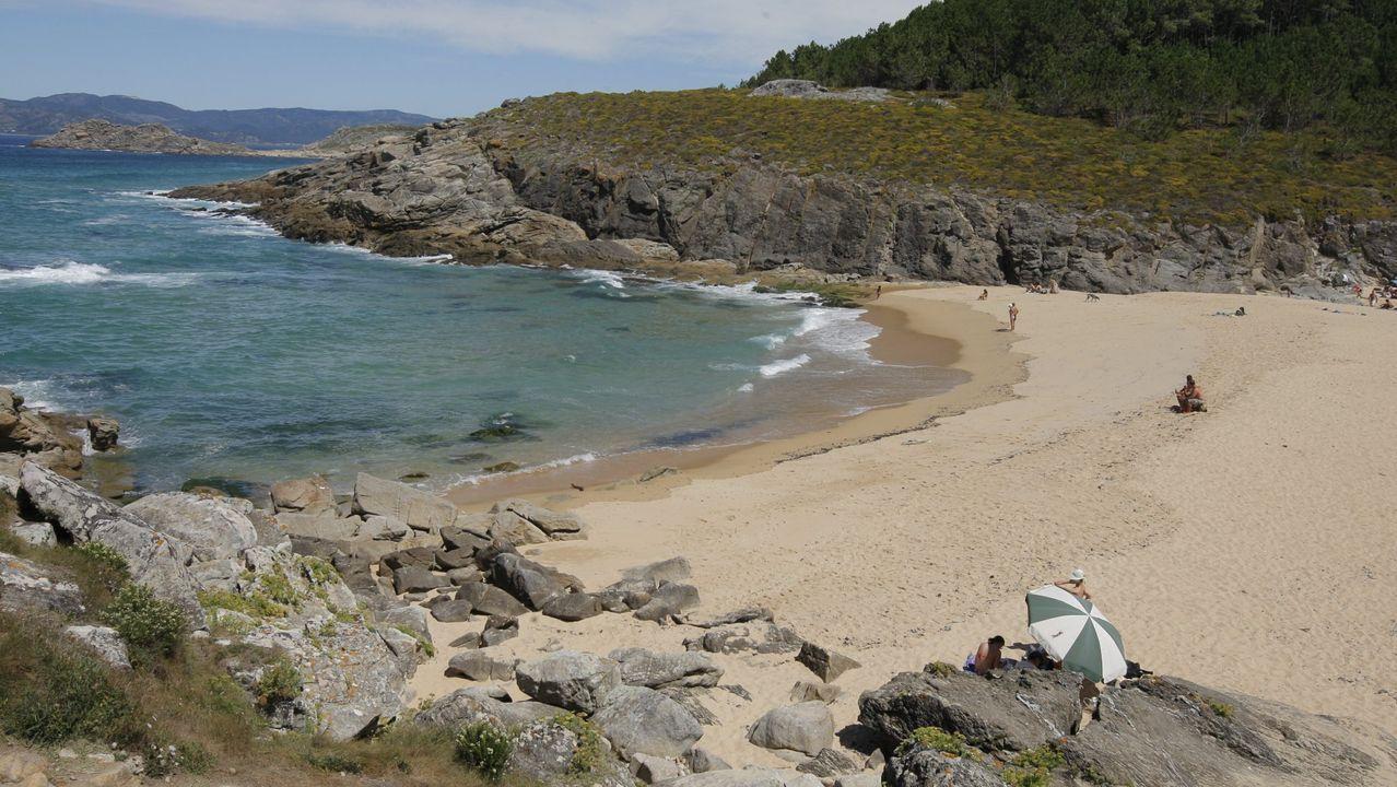 Playasen la provincia deA Coruña.Colmenares en la parroquia de Cuíña, en Ortigueira, en una fotografía de archivo