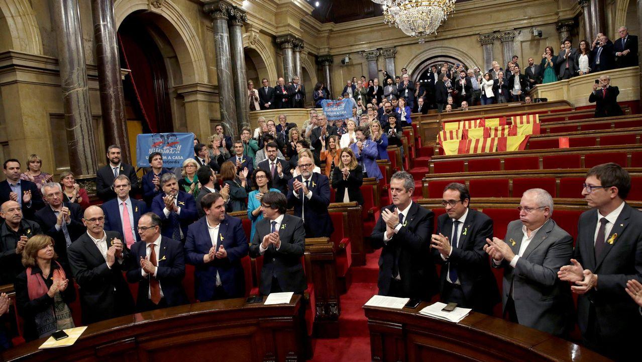 Los diputados de JxSí y la CUP -sin los del PSC, PP y Cs, que se ausentaron- en el pleno que aprobó en octubre del 2017 una resolución que declaraba a Cataluña un «Estado independiente»