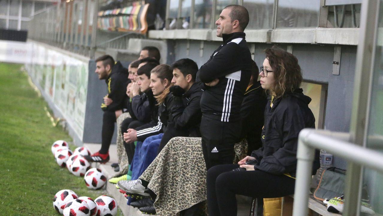 Las imágenes del partido entre el Arousa y el UD Ourense.Dos de los españoles que permanecen confinados en Pekín