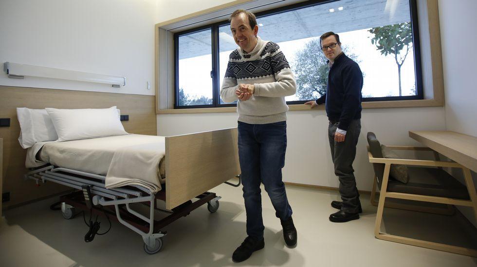 Amancio Ortega dona 320 millones para renovar equipos oncológicos en España.Laura Pérez, portavoz de Podemos en el Parlamento de Navarra