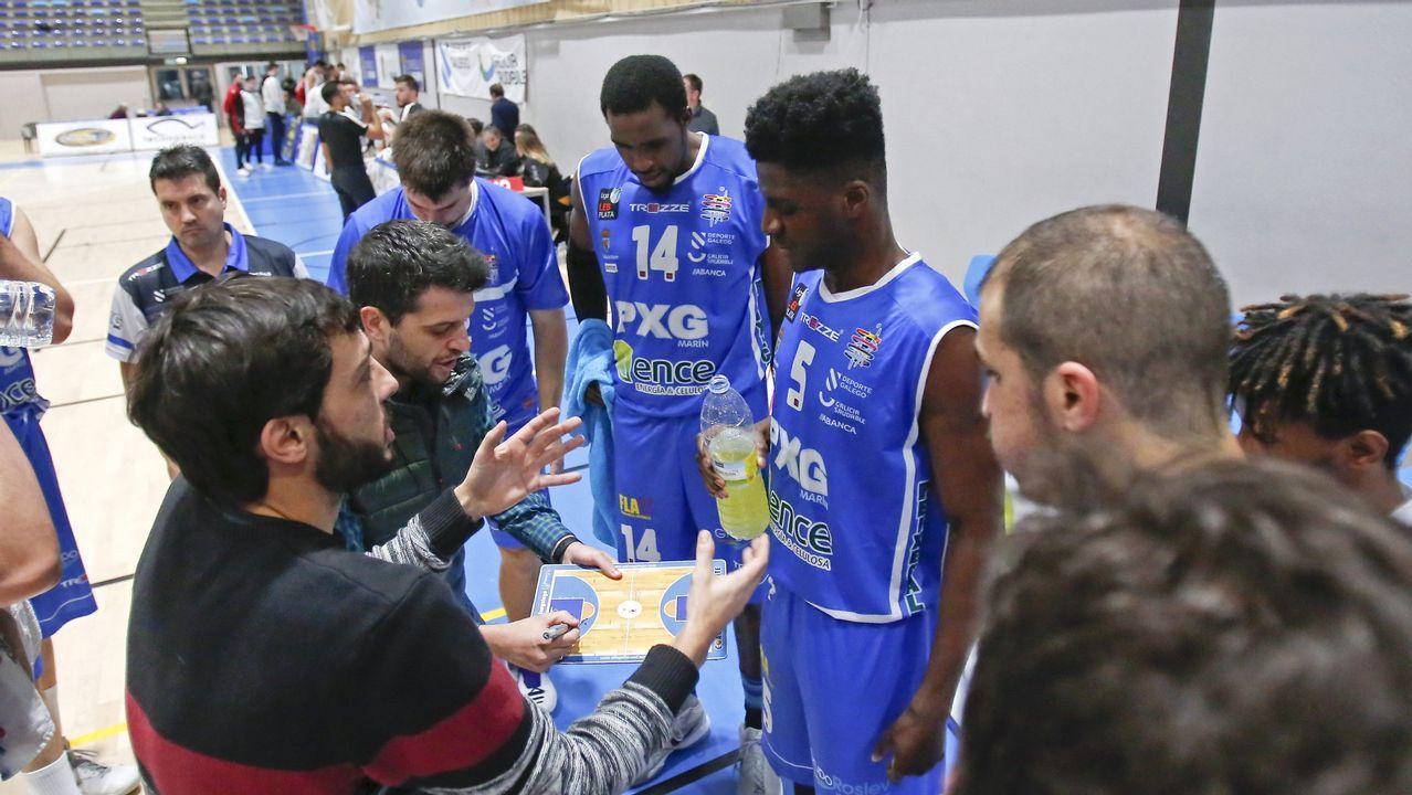 Athletic-Celta, en imágenes.Folch y Bolaño disputan un balón en el Oviedo-Albacete