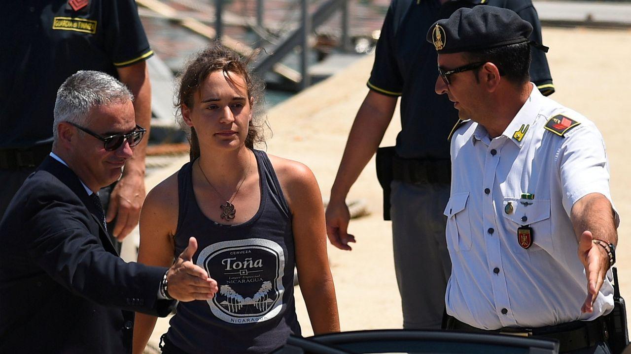 La capitana del Sea Watch 3 el pasado 30 de junio en Italia tras ser detenida por trae inimgrantes a las costas sicilianas
