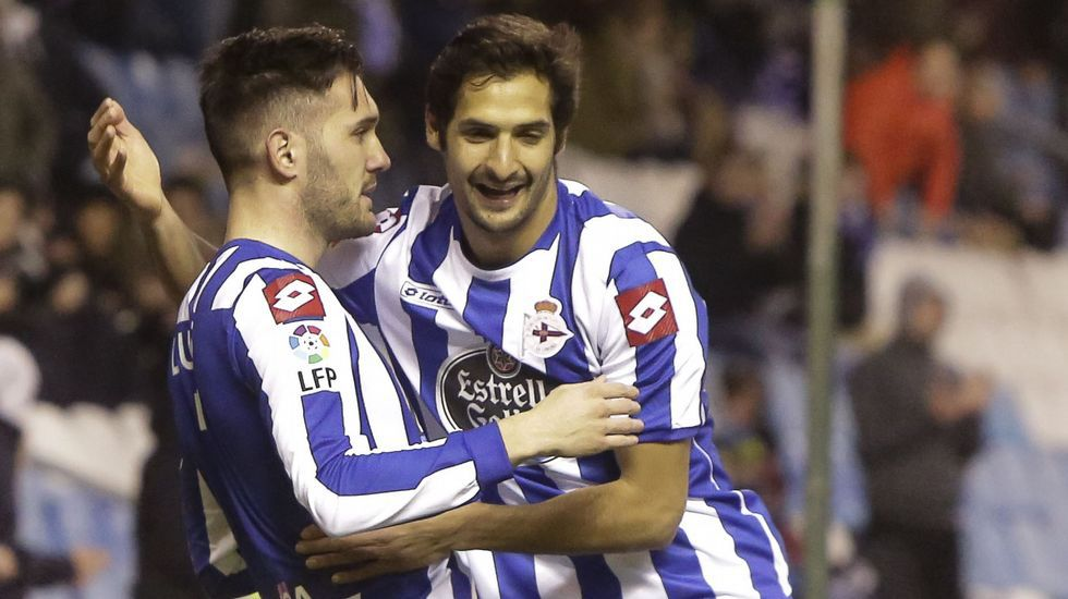 Borges felicita a Lucas, autor del gol que abrió el marcador y que se convierte en el tercero de su cuenta como deportivista.