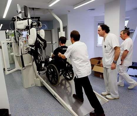 Imagen de archivo de un paciente en rehabilitación en el hospital A Coruña.