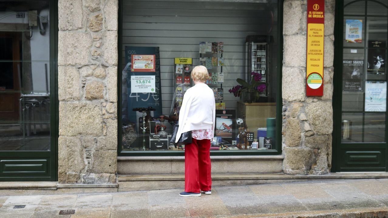 mayores, ancianos, asturianos, personas mayores, abuelos.Turistas en Oviedo