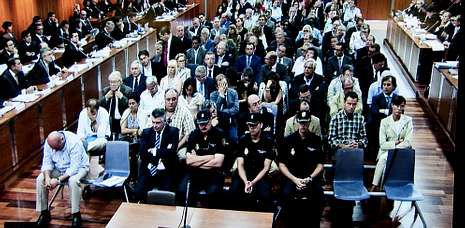 Once años y 240 millones de multa.Primera jornada del juicio, que arrancaba en septiembre del 2010 con 95 imputados.