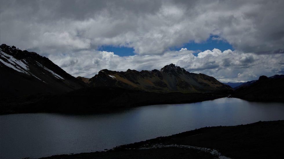 Glaciar Pastoruri, la prueba del calentamiento global.Un fotograma de «Agostu», de Diego Llorente