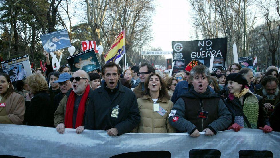 Los alcaldes rebeldes participan en el foroCidades Polo Ben Común.Varias personalidades del mundo de la cultura, en una manifestación en Madrid contra la guerra en 2003.