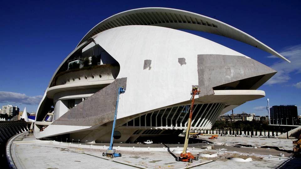 Las 12 piezas provienen de la cubierta cerámica del Palau de les Arts de Valencia