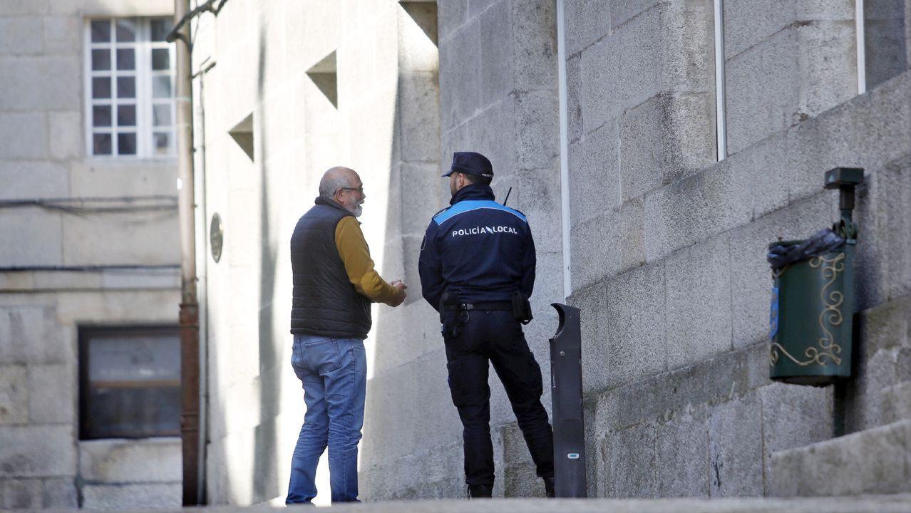 La Guardia Civil inmoviliza un camión cuyo conductor no respetó la cuarentena tras hacerse la prueba.El aeropuerto de Asturias