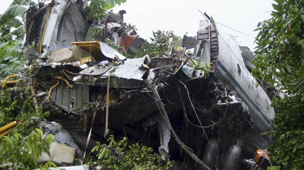 Decenas de heridos en un accidente de avión en Sudán del Sur.Restos del avión estrellado en Sudán del Sur
