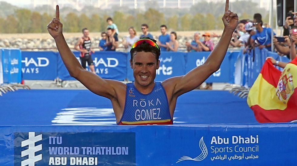 Gómez Noya triunfa en Abu Dabi