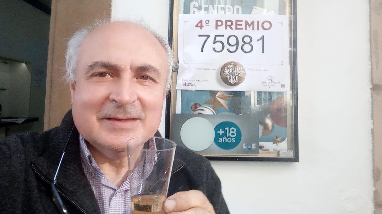 Roman Ríos | Efe.José Gil, propietario de la Administración Nº 1 de Villaviciosa