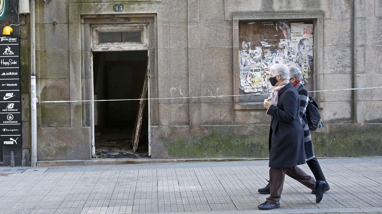 Inicio de la vacunación en mayores de 80 años en el centro de salud Virxe Peregrina, de Pontevedra