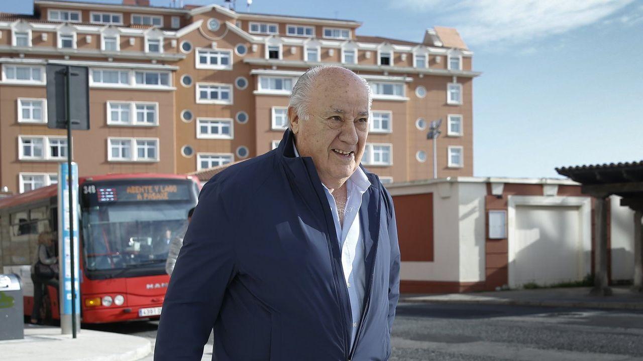 sandra ortega.Ramón Reñón, en el recinto de Casas Novas, en el año 2004