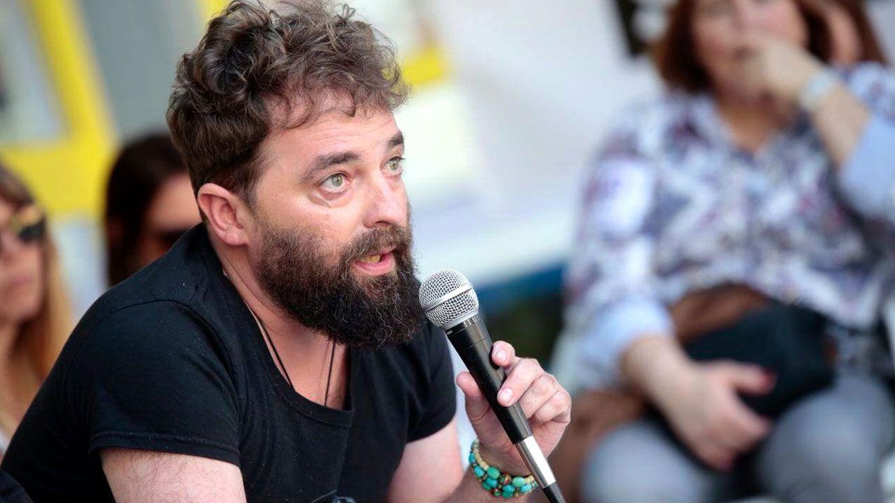 La PAH paraliza un desahucio en Oviedo.Álex Zapico