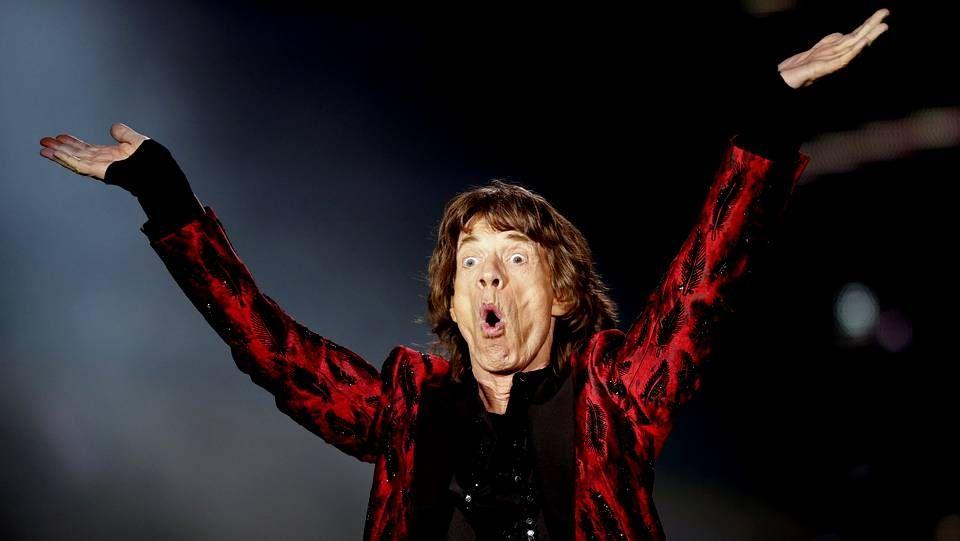 Manos Limpias asegura que el impostor Nicolás tenía un padrino.Mick Jagger durante el concierto en el Santiago Bernabeu de The Rolling Stones