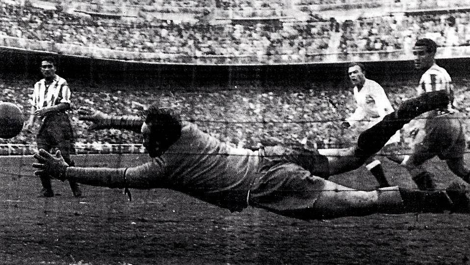 x.Di Stéfano bate a Acuña en la temporada 53-54