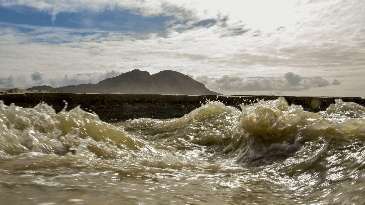 Las impresionantes imágenes de la ruptura de la laguna de Louro