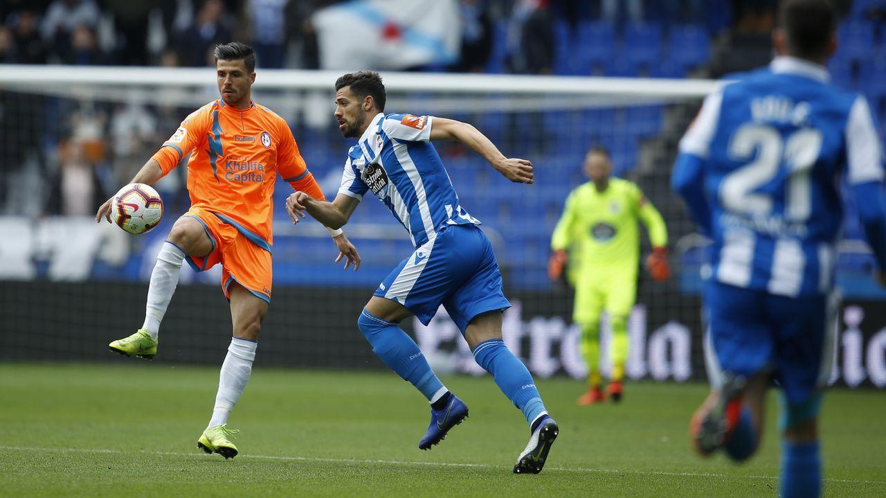 Linares Real Oviedo Reus Carlos Tartiere.Miguel Linares salta al Carlos Tartiere en el pasado Real Oviedo - Reus
