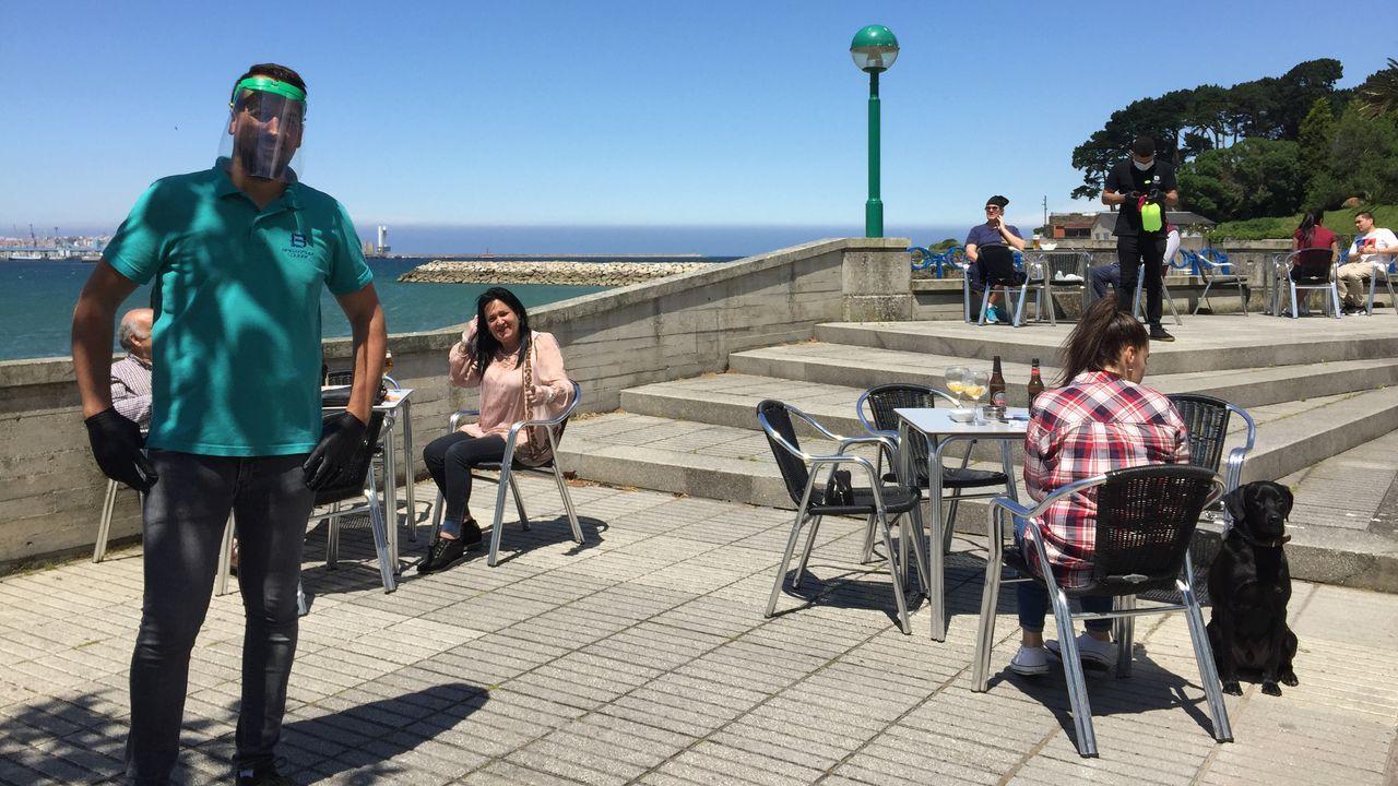 Bautista Barral ante la terrada del Brigantium Lounge en Santa Cristina