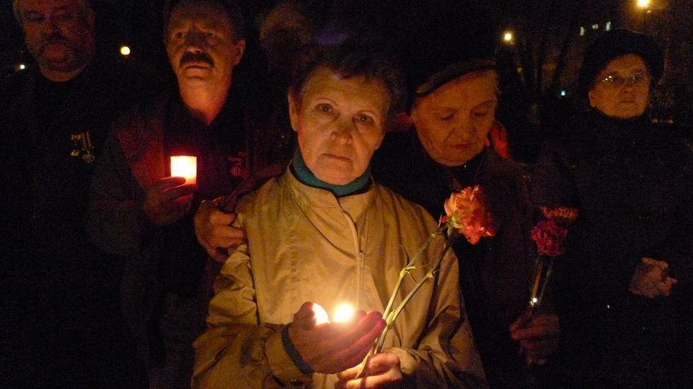 Mijail Gorbachov con el premio Príncipe de Asturias de Cooperación internacional de 1994, ante Pedro de Silva y Antonio Masip.Xoel López es uno de los tres finalistas en la categoría «Canción de autor» de los Premios Martín Códax.
