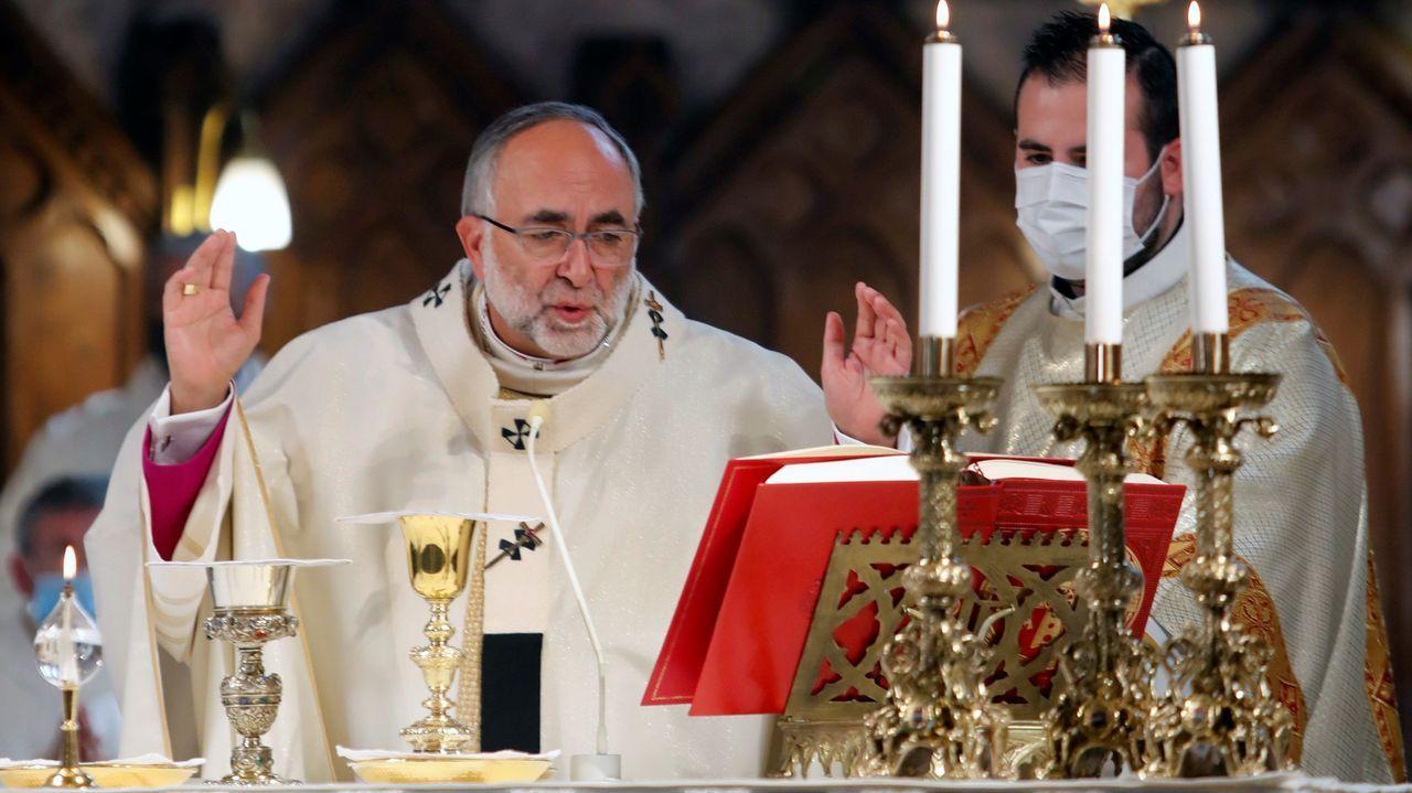 Algunas propiedades de la iglesia en Galicia.El arzobispo de Oviedo, Jesús Sanz Montes, oficia  en la basílica de Covadonga una eucaristía con motivo del Día de Asturias