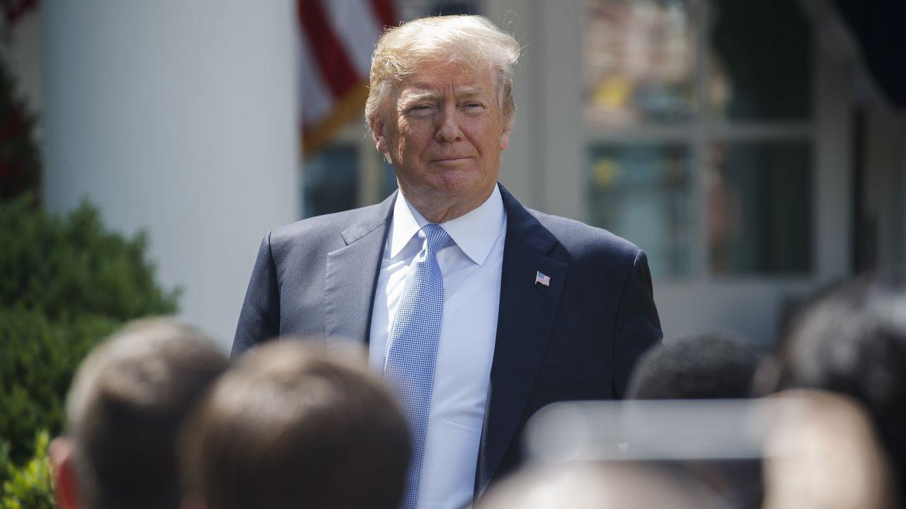 «¡Siéntate!», «¡silencio, silencio!», «usted no»: Así trata Trump a la prensa.Los primeros ministros de China y Japón con el presidente surcoreano en su cumbre de ayer