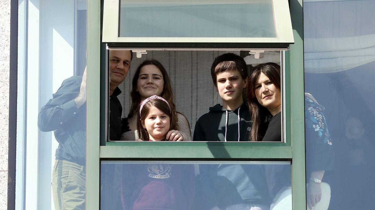Rafael, Luisa y sus tres hijos