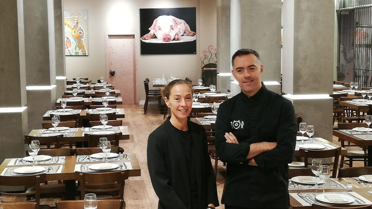 COCHES MAL APARCADOS Y EN DOBLE FILA ZONA NUEVOS JUZGADOS