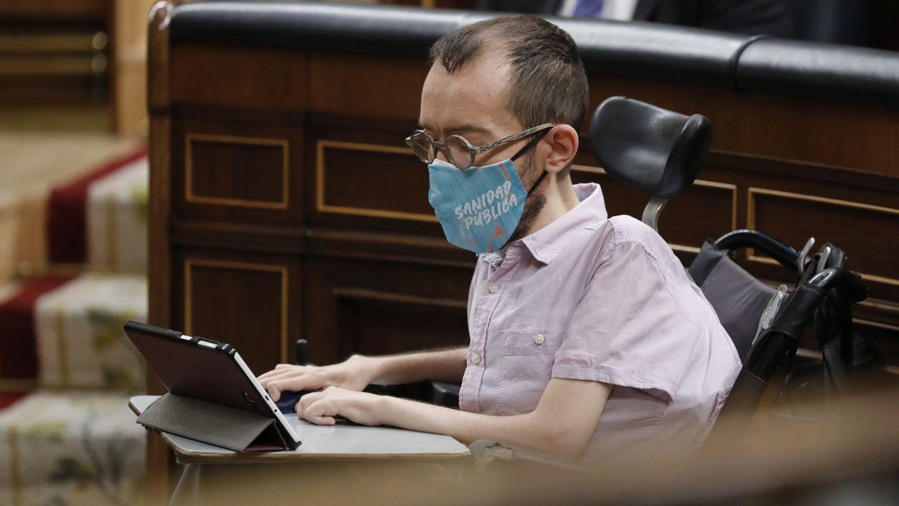 Ante el silencio de Iglesias, el portavoz de UP en el Congreso defendió la actuación del partido y dijo que las imputaciones responden solo a «rumorología»