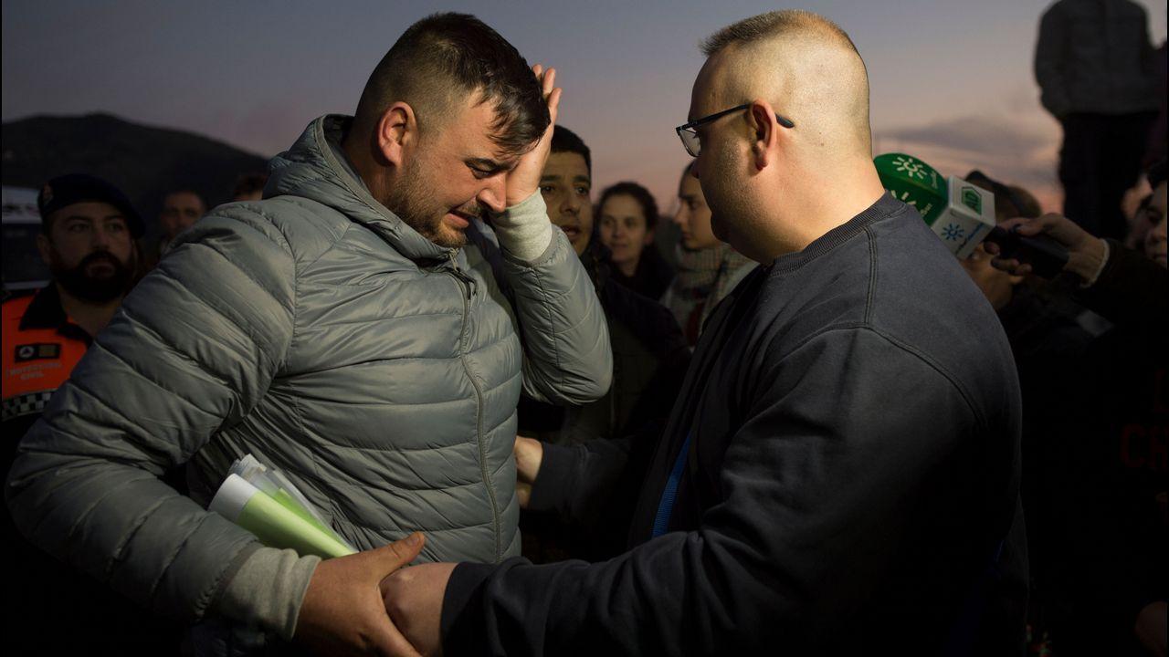Un policía de Vigo, herido durante los disturbios en Barcelona.El padre de Julen, José Roselló, explicó a los periodistas cómo sucedieron los hechos