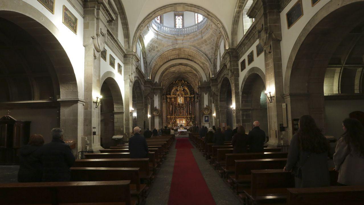 Misa das 13:30 do domingo na parroquia coruñesa de San Nicolás, oficiada en galego