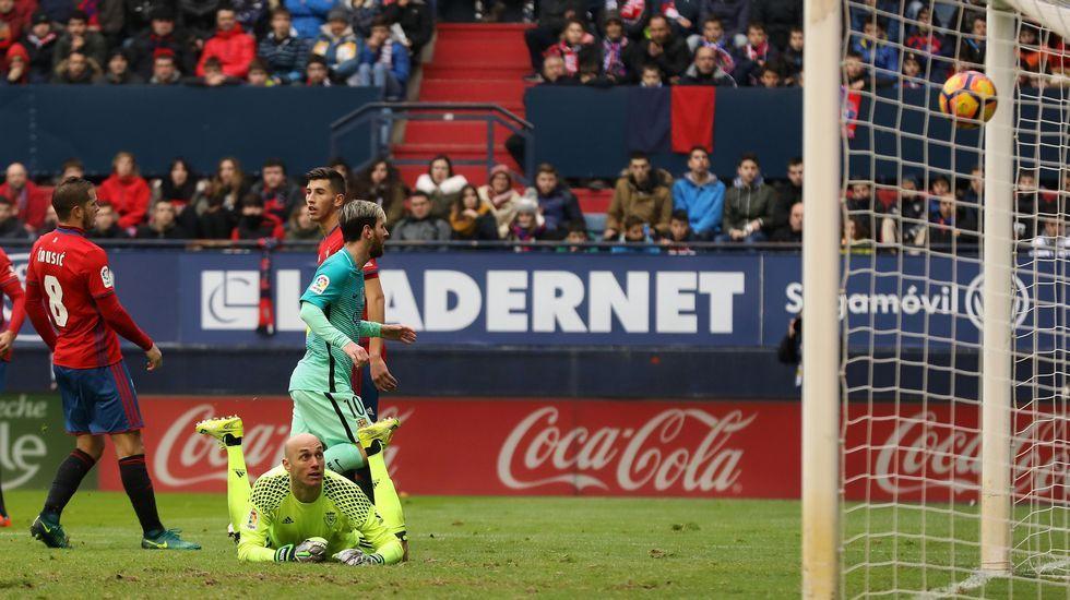 Luis Enrique: «El Eibar siempre presenta dificultades».Messi marca en la victoria del Barça ante Osasuna