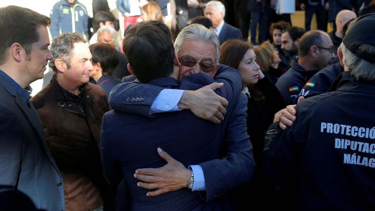 PP, Ciudadanos y Vox, juntos enuna manifestación este domingo en Madrid.El director provincial del 112, Rafael Galvez, tras el minuto de silencio por Julen