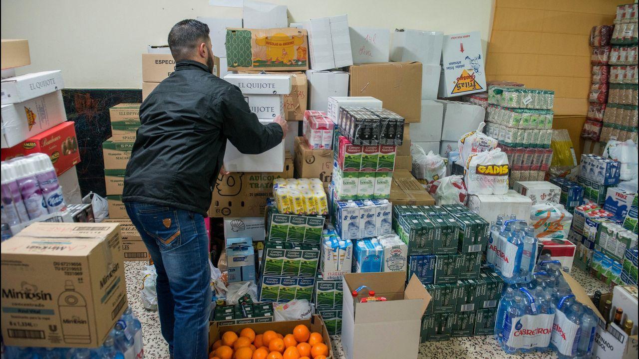 Comida solidaria de Navidad en la Alameda.Manuela y su marido llevan sin ingresos desde diciembre y ya no han podido pagar el alquiler