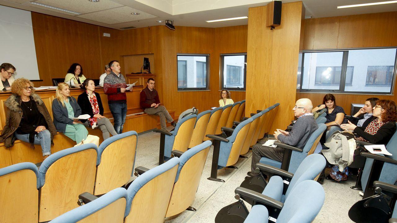 Almuiña, con dos expertos que acudieron a la presentación y otros dos cargos de la consellería